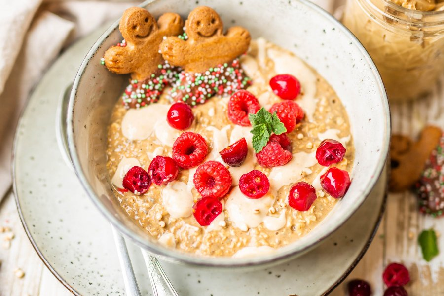 Vegan Gingerbread Overnight Oats