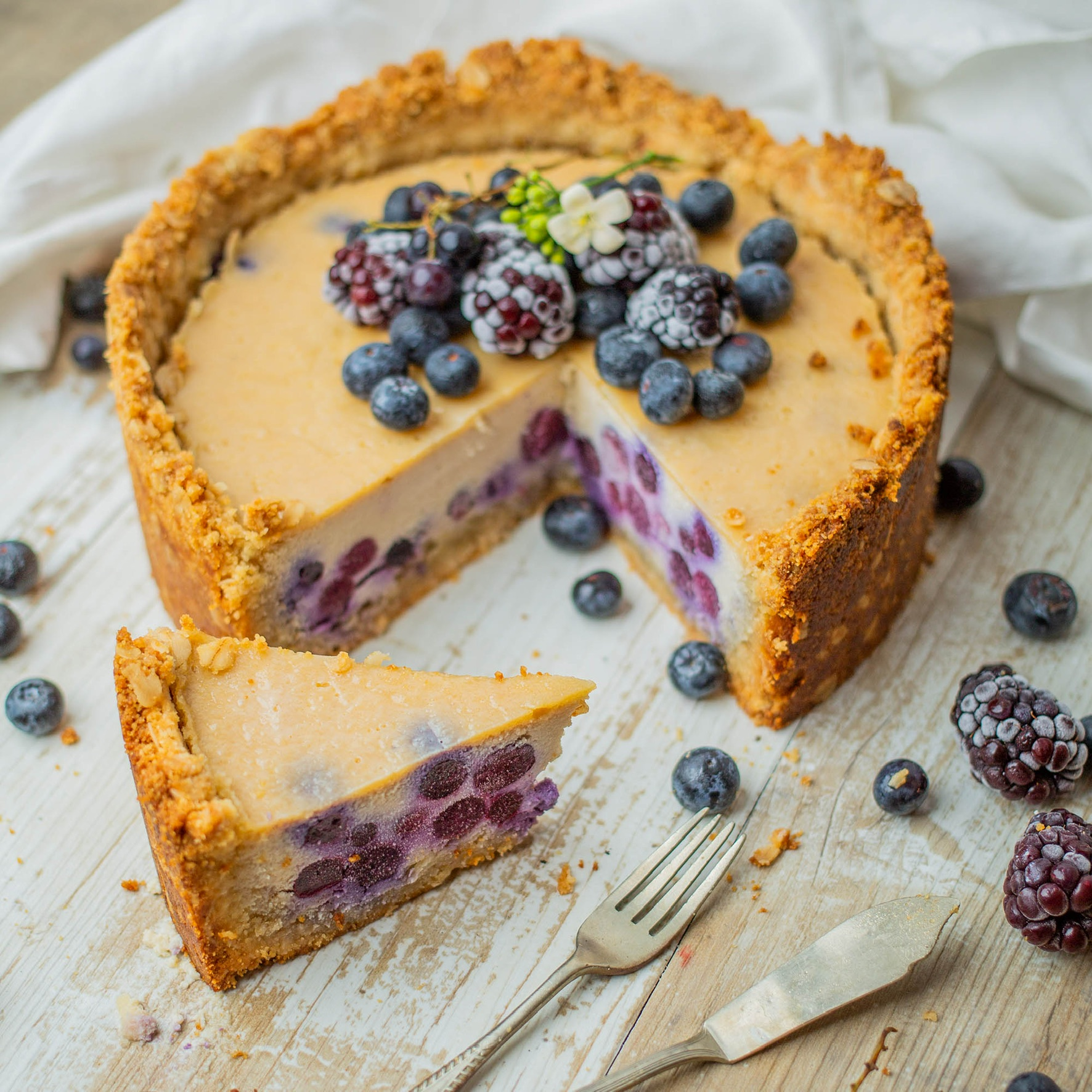 Baked Vegan Blueberry Lemon Cheesecake – no coconut