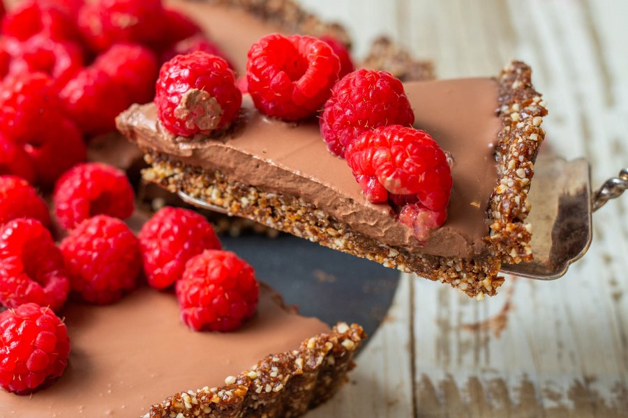 No Bake Vegan Chocolate Mousse Tart with Raspberries