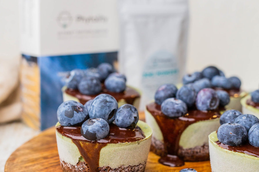 Phytoplankton: The New Vegan Wholefood Alternative to Pre-natal Vitamins Plus Raw Vegan Choc Mint Cakes